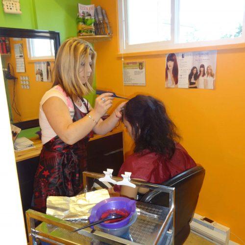 Интервью с интересным человеком. Моника задает вопросы парикмахеру-стилисту Яне Кизнер.